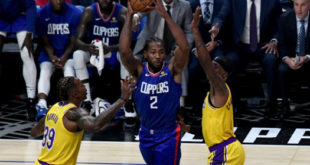 Kawhi 'talks with his game,' drops 30 as Clips win