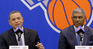Knicks not ruling out  Fizdale or management firings