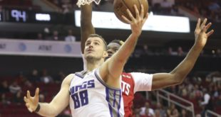 Bjelica's 3 at buzzer lifts Kings over Rockets